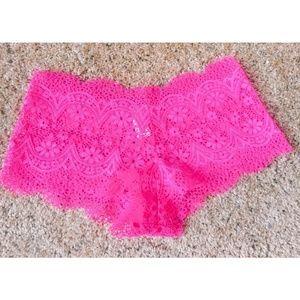 VS lace shortie